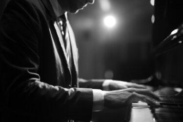 名曲ピアノ・マンの歌詞に秘められた意外な真実 – Billy Joel Piano Man