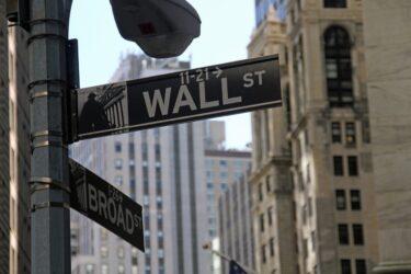 ウォール街の悪夢 – 暴走する投機的金融